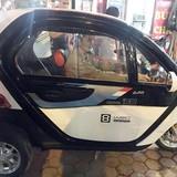 Sốt hình ảnh ôtô 3 bánh mini Trung Quốc trên đường phố Hà Nội