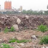 """Hà Nội: Phế liệu xây dựng đổ """"chất núi"""", đất dự án """"biến"""" thành điểm kinh doanh?"""