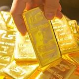 """Bị bán tháo, vàng không còn """"lấp lánh"""""""