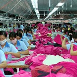 """Trở thành '""""công xưởng mới"""" của thế giới: Bối cảnh khu vực và nội lực của Việt Nam"""
