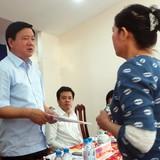 """Chủ tịch xã lúng túng khi bị ông Đinh La Thăng """"truy"""""""