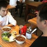 """Bún chả Obama"" gây sốt ở Singapore"