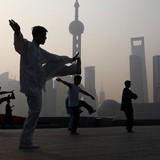 Ước mơ giàu nhanh và thực tại phũ phàng trên chứng trường Trung Quốc