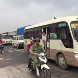 Phí bảo trì đường BOT đè nặng lên dân