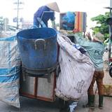 Cạnh tranh thu gom rác ở Sài Gòn