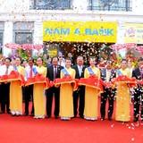 Nam A Bank liên tiếp khai trương hai chi nhánh lớn tại khu vực miền Tây