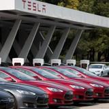 Xe điện Tesla Model S bị chiếm quyền điều khiển bằng trình duyệt web