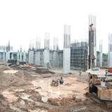 Cận cảnh dự án bất động sản tấp nập thi công ở khu Đông Sài Gòn