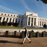 Fed tiến sát hơn quyết định nâng lãi suất