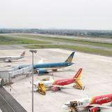 Nhiều chuyến bay đến các tỉnh miền Trung bị ảnh hưởng do mưa bão