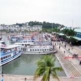 Tập đoàn Tuần Châu bất ngờ thông báo thu phí qua cảng với du khách