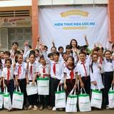 """FE CREDIT tặng 120 suất học bổng cho trẻ em nghèo trong chương trình """"Hiện thực hóa ước mơ"""""""