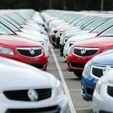 Sếp tặng xe hơi, căn hộ và trang sức đắt tiền cho nhân viên