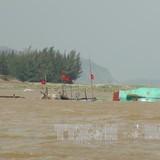 Áp thấp nhiệt đới đánh chìm 7 tàu cá ở Bình Thuận
