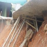 20 hộ dân nơm nớp lo nhà sụp xuống sông