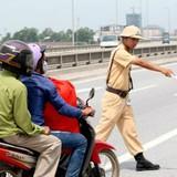 Từ 2017 sẽ phạt người đi xe máy không sang tên đổi chủ