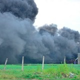 Nhà xưởng hơn 1.000m2 chìm trong biển lửa ở Sài Gòn