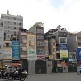 """Hà Nội: Tràn lan kiểu nhà """"chuồng chim"""" trên tuyến đường """"cong mềm mại"""""""
