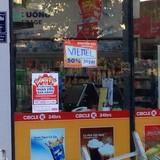Siêu thị mini công khai bán thẻ Viettel khuyến mại 50%