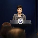 Đảng đối lập Hàn Quốc quyết phế truất tổng thống, bác đề xuất từ chức