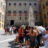 Bỏ phiếu ở Ý có thể châm ngòi khủng hoảng ngân hàng châu Âu