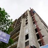 Toà nhà xây dựng ì ạch gần thập kỷ giữa thủ đô