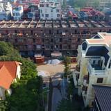 Nhà liền kề tiền tỷ bỏ hoang thành nơi ở của lao động nghèo