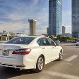 Thuế giảm, giá ôtô vẫn bất động