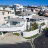 Sau 45 năm sở hữu, tỷ phú Buffett muốn bán căn biệt thự siêu sang với giá 11 triệu USD