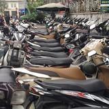 """Hà Nội rút giấy phép nhiều điểm trông xe """"chặt chém"""""""