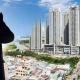 Địa ốc 24h: Nhà trăm tỷ ôm trọn vỉa hè