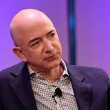 Jeff Bezos thành tỷ phú giàu thứ 2 thế giới