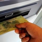 Khách báo mất 94 triệu trong tài khoản ngân hàng