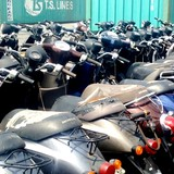 [Video] Hàng trăm xe máy đã qua sử dụng nhập lậu tại cảng Cát Lái