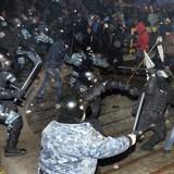 Cảnh sát Ukraine trấn áp biểu tình