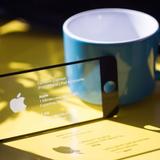 Card visit giống iPhone, máy tính Mac