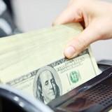 """Tài chính 24h: USD leo áp trần, ngân hàng """"khiêm tốn"""" kế hoạch lợi nhuận"""