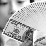 """Tài chính 24h: Thêm thương hiệu ngân hàng bị """"xóa sổ"""", tỷ giá leo sát trần"""