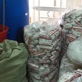Hàng ngàn khăn giấy ướt giả được sản xuất từ... nhà vệ sinh