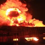 Cháy, nổ dữ dội tại kho chứa hóa chất ở Bình Dương