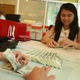 Vì sao giá USD tự do thấp hơn ngân hàng?