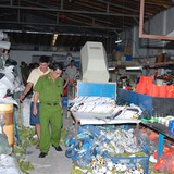 Hà Nội: Phát hiện cơ sở sản xuất hàng giả các nhãn hiệu nổi tiếng