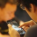 """Smartphone gây ra """"chiến tranh lạnh"""" tại châu Á"""
