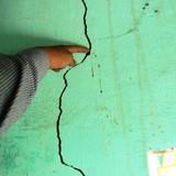 """Đền bù nứt nhà đủ mua 1 cây… kẹo mút: Bảo hiểm PVI """"gài bẫy"""" người dân"""