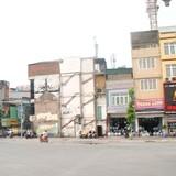 """Hà Nội: Nhà kỳ dị """"làm đẹp"""" đường đắt nhất hành tinh"""