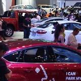 """Rộ """"phong trào"""" mua ô tô online"""