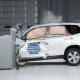 [Infographic] 5 công nghệ an toàn phải có trên xe hơi hiện đại