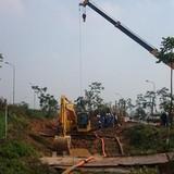 Vỡ đường ống nước sông Đà lần thứ 12: Chỉ biết vỡ đến đâu khắc phục đến đó