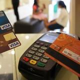 Choáng với lãi suất thẻ tín dụng lên đến 31%/năm