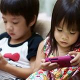 """Người Việt thành thị - những """"kẻ nô lệ"""" của smartphone?"""